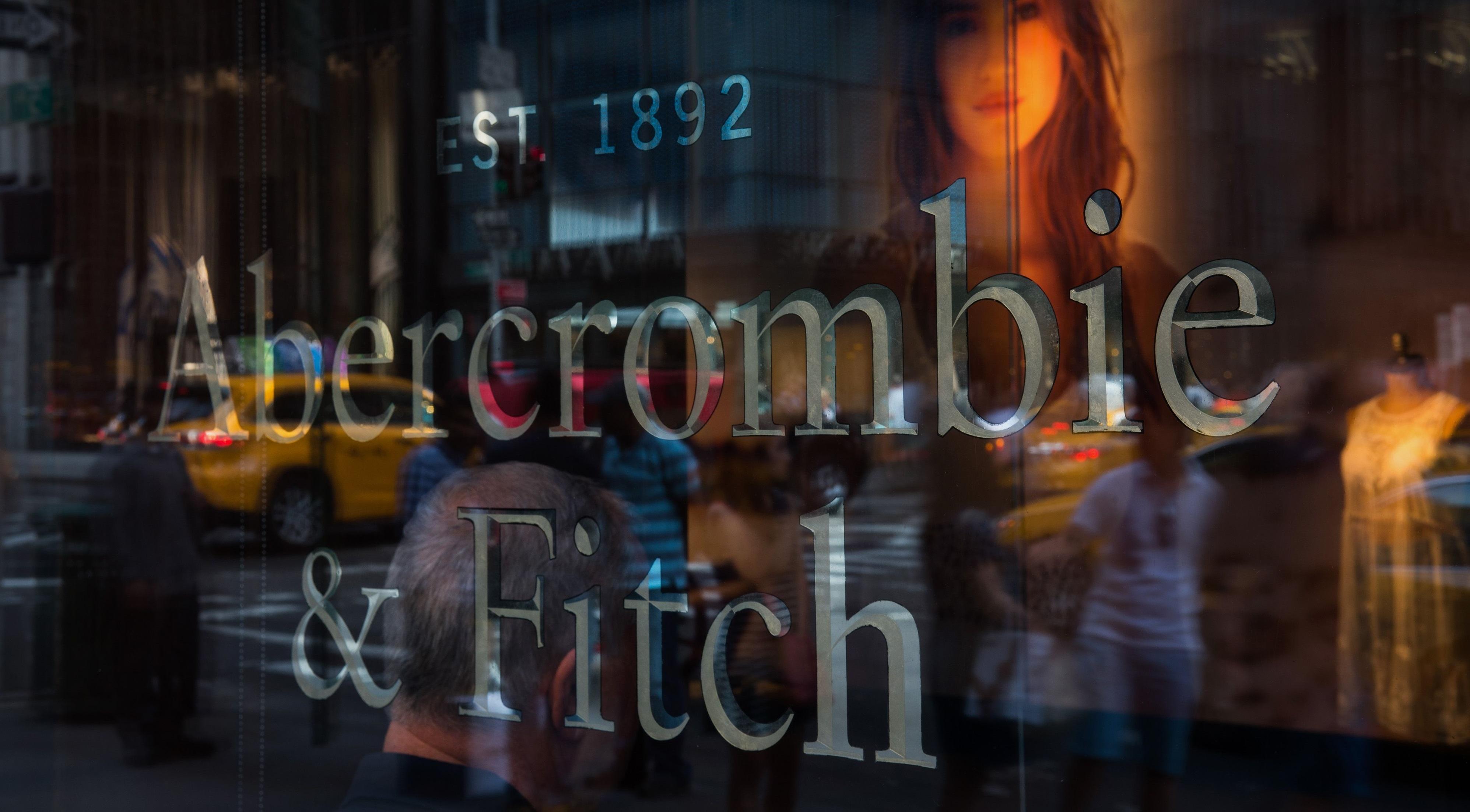 ABERCROMBIE   FITCH E IL CLIENTE AL CENTRO – News   Customer Experience 9d1cb6c1b8a